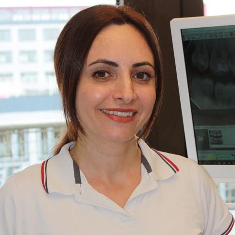 دندانپزشک مریم حمیدزاده